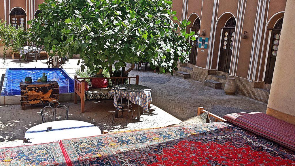 iran-visa-on-arrival-hotel